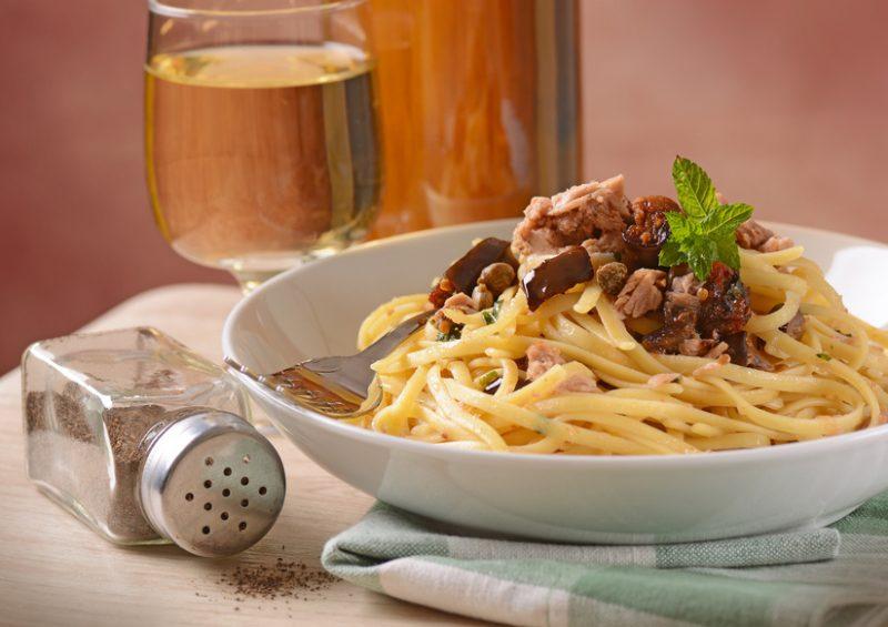 pasta tonno, capperi e olive ricetta