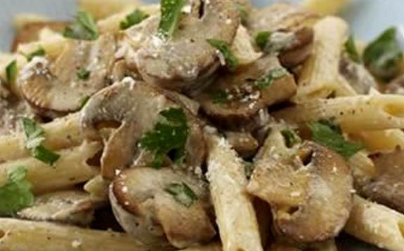 pasta veloce con brie e funghi per chi non ha tempo - Come Cucinare I Funghi Surgelati