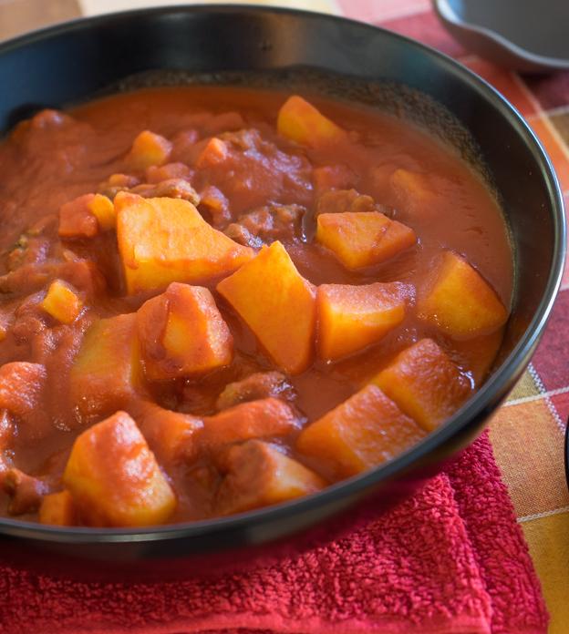 Lo spezzatino in umido con le patate di roma for Ricette romane tradizionali