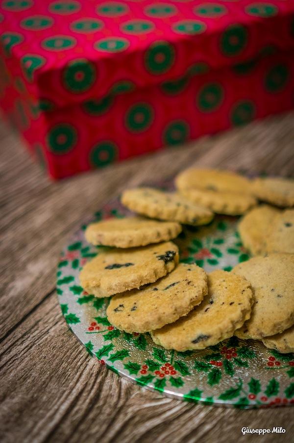 Biscotti di natale limone e mirtilli ricetta