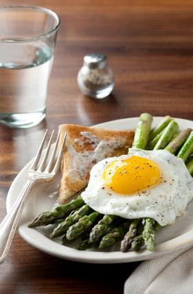 Asparagi e uova ricetta