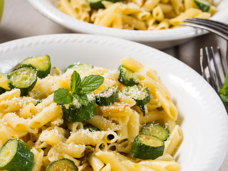 pasta zucchine e fiori ricetta