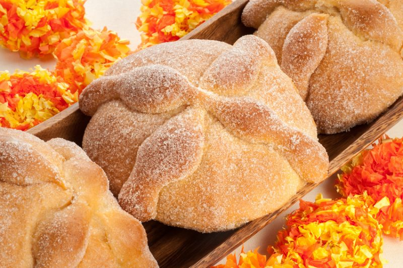 Pan de Muerto, mexican recipe for the Day of the Dead
