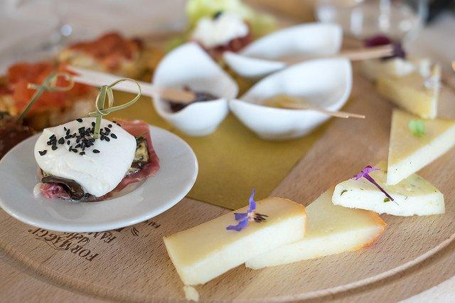Antipasto di formaggi toscani