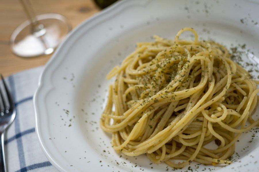 Ricetta Spaghetti con colatura di alici