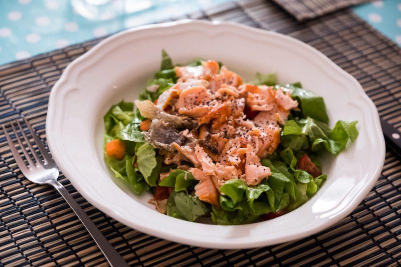 insalata di salmone ricetta