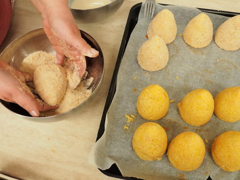 preparazione arancini di riso
