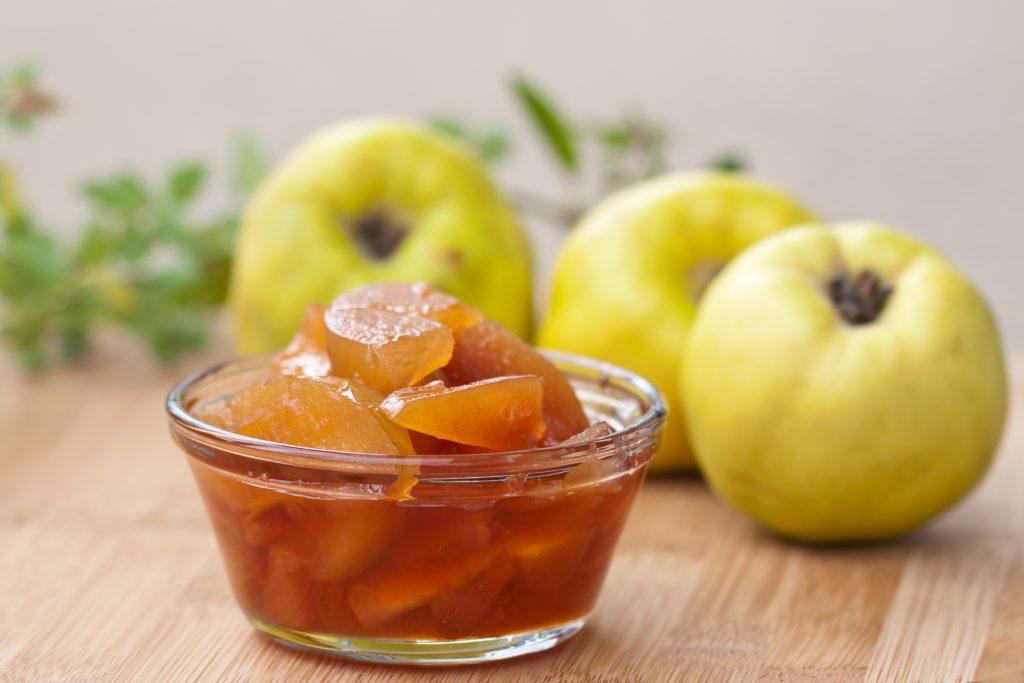 Come fare la marmellata di mele cotogne, mele e cannella ...
