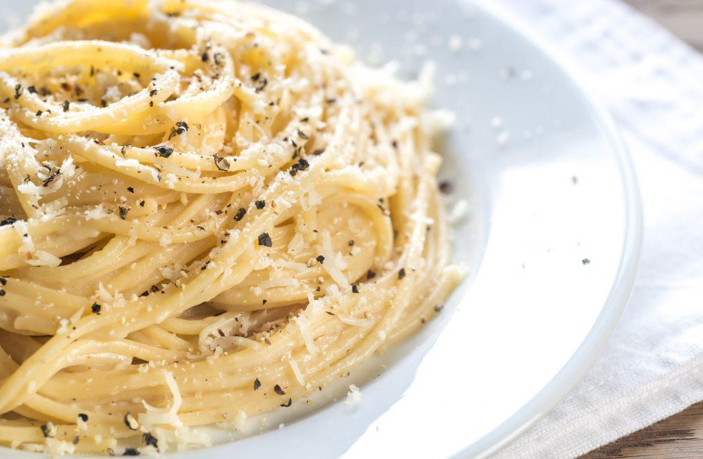ricetta spaghetti cacio e pepe